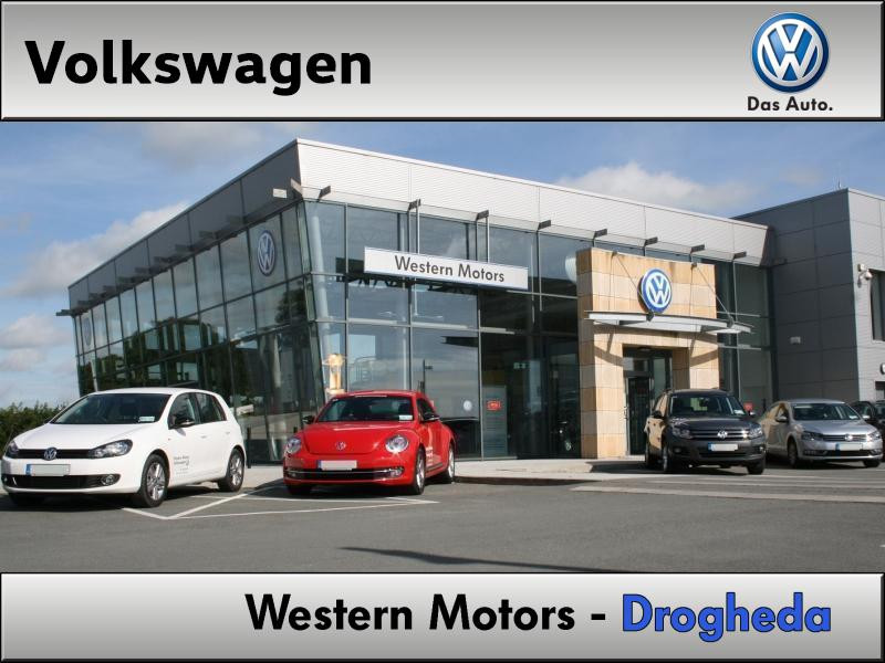 Volkswagen Transporter 110HP WITH A/C AND REAR CAMERA