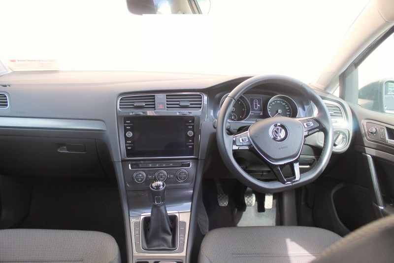 Volkswagen Golf Estate Comfortline 1.6TDI - LOW KMS