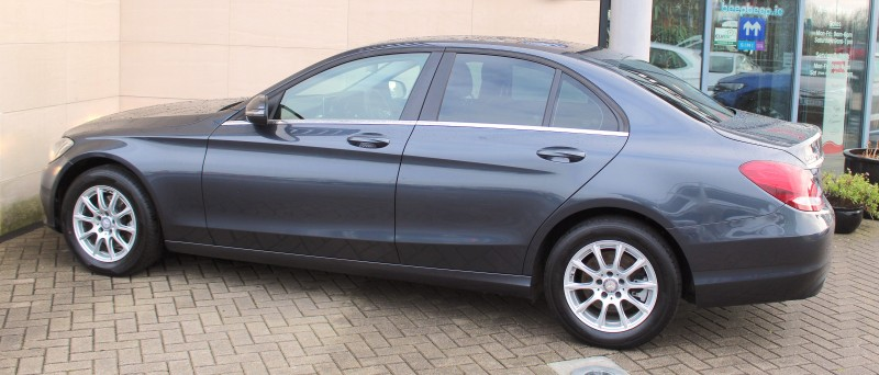 Mercedes-Benz C-Class C220 D SE 4DR AUTO, VERY LOW KMS, REAR CAMERA, LEATHER