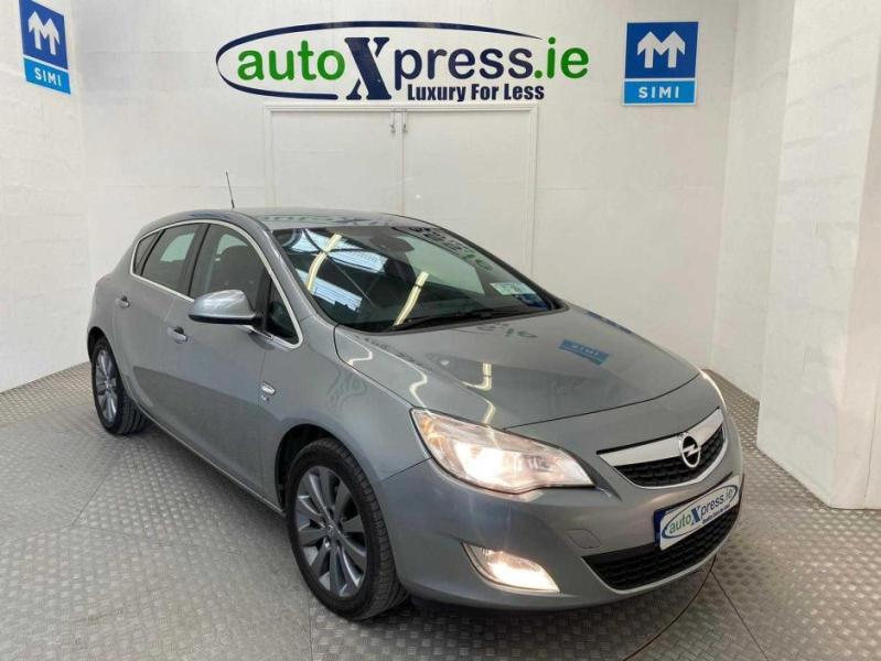 Used Opel Astra 2010 in Limerick