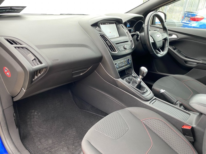 Ford Focus 1.5 TDCI ST-LINE 120PS 5