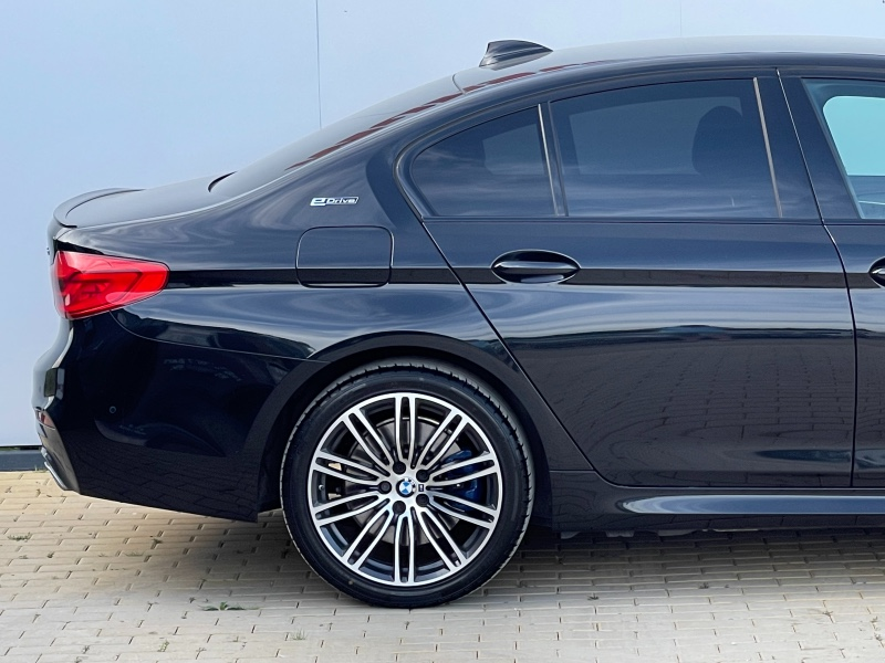 BMW 5 Series 530E Hybrid M-Sport M-Performance 182