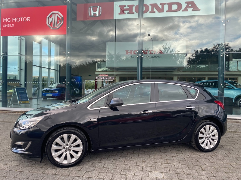 Used Opel Astra 2013 in Limerick