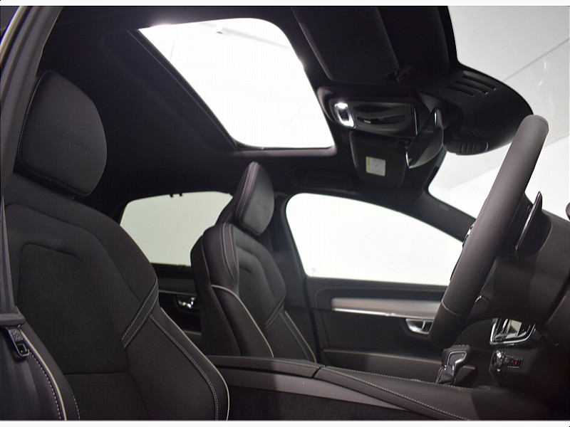 Volvo S90 D4 R-Design Auto *PCP only 1.9% APR* Xenium Pack, 360 Degree Parking Camera, Power Operated Sunroof, 4 Zone Climate Control
