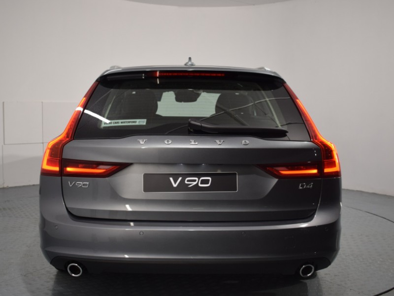 Volvo V90 D4 Momentum Auto *PCP only 2.9% APR* Xenium Pack, 4 Zone Climate Control, 360 Parking Camera, Park Assist Pilot, Power Sunroof
