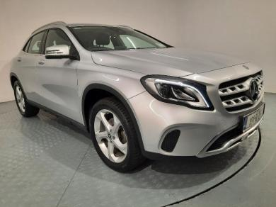 Mercedes-Benz GLA 200D  AUTO *FULL LEATHER // PARKING CAMERA*