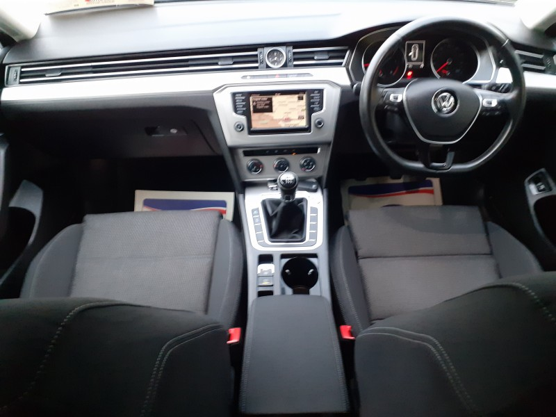 Volkswagen Passat (162) 1.6 TDI (120bhp) Business Edition BMT ** FREE Nationwide Delivery -  Reserve or BUY this Vehicle Online Today **